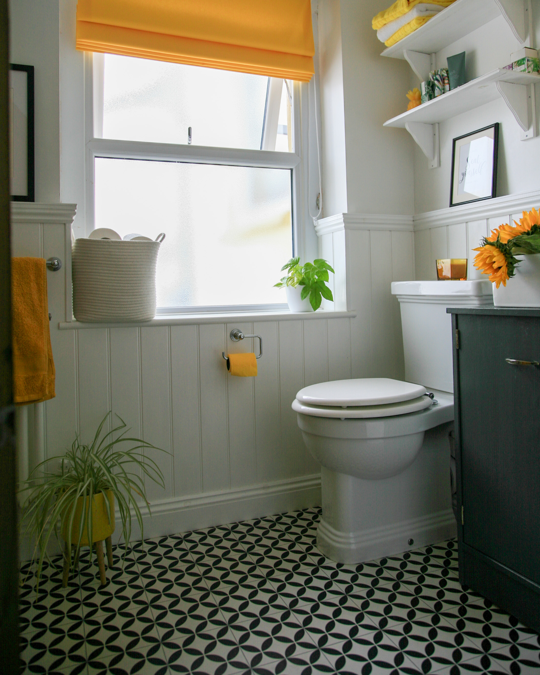 How to renovate a small bathroom